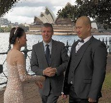 Simple-Ceremonies_Registry-Office-Wedding-Ceremony_Bradfield-Park_Cheap-celebrant_Charlie_4